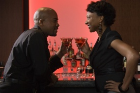 black-couple-drinking-at-bar-vibe-vixen